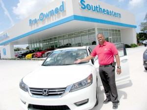 Angel Ortiz, is one of 16 car salesmen working in Southeastern Honda. With over 8 years experience in Southeastern Honda, Ortiz serves customers in Spanish.